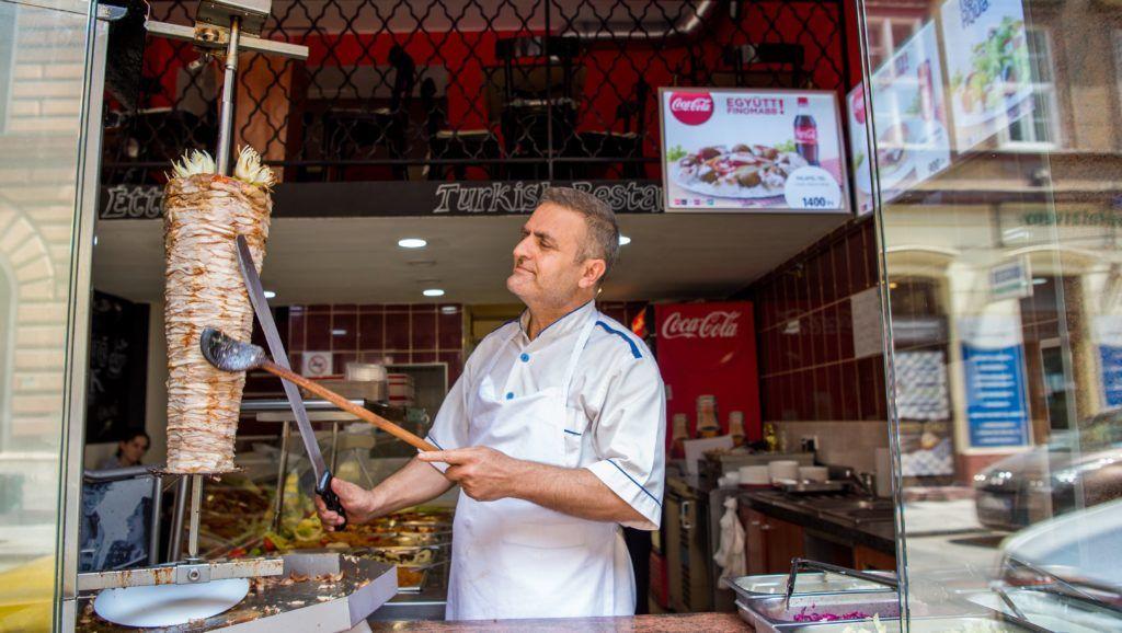 Budapest, 2017. június 28. Török étterem Budapesten a Dob utcában 2017. június 28-án. MTI Fotó: Balogh Zoltán
