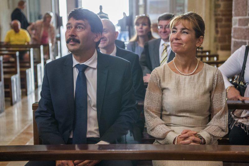 Kotor, 2017. október 5. Áder János köztársasági elnök és felesége,  Herczegh Anita a Szent Trifun Római Katolikus Székesegyházban a montenegrói Kotorban 2017. október 5-én. Áder János kétnapos hivatalos látogatáson tartózkodik Montenegróban. MTI Fotó: Balogh Zoltán