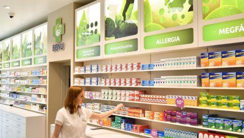 Debrecen, 2017. május 3. A BENU Magyarország Zrt. gyógyszertára a debreceni Plaza bevásárlóközpontban 2017. május 3-án. MTI Fotó: Czeglédi Zsolt