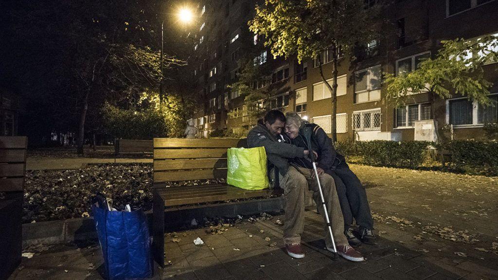 Budapest, 2017. november 6.Hajléktalan pár Budapesten 2017. november 6-án.MTI Fotó: Mónus Márton