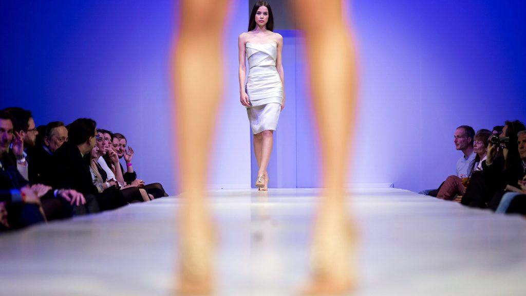 Budapest, 2013. március 22.Egy modell Zoób Kati ruháját mutatja be az Elle Fashion Show nyitónapján a budapesti Millenárison 2013. március 22-én.MTI Fotó: Mohai Balázs
