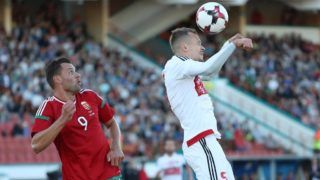 Breszt, 2018. június 6. Szalai Ádám (b) és a fehérorosz Dzjanisz Paljakov a Bresztben rendezett felkészülési labdarúgó-mérkõzésen 2018. június 6-án. (MTI/EPA/Taccjana Zenkovics)