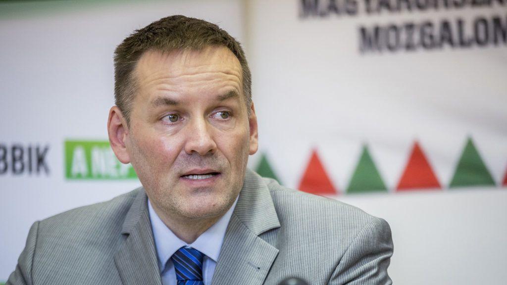 Hódmezővásárhely, 2018. március 11.Volner János, a Jobbik alelnöke sajtótájékoztatót tart hódmezővásárhelyi kampányútja keretében 2018. március 11-én.MTI Fotó: Rosta Tibor