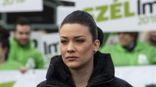 Budapest, 2018. április 5.Demeter Márta, az LMP országgyűlési képviselője a párt Több nőt a politikába! című, utcai akcióval egybekötött sajtótájékoztatóján a budapesti Móricz Zsigmond körtéren 2018. április 5-én.MTI Fotó: Szigetváry Zsolt