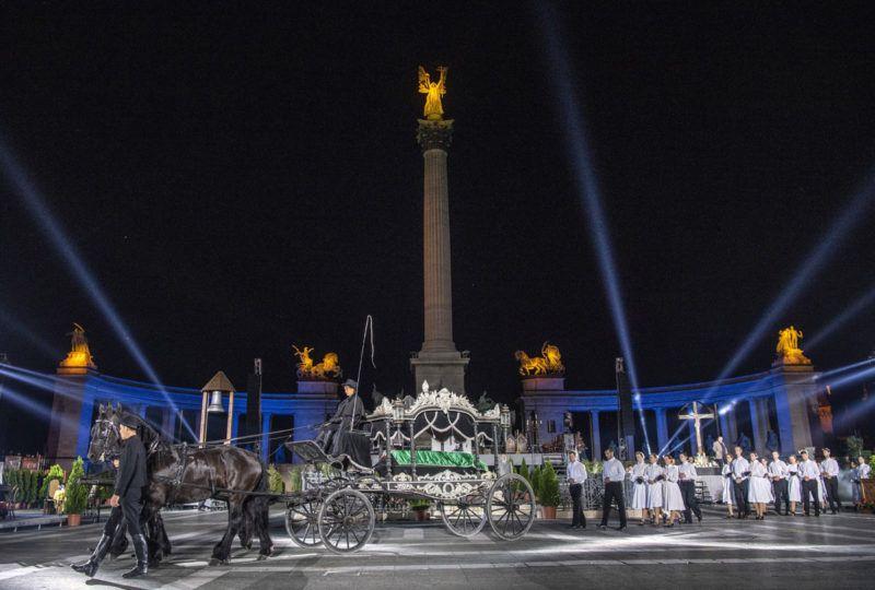 Budapest, 2018. június 22.Jelenet a Trianon című rockopera próbáján a Hősök terén 2018. június 21-én. A darabot Koltay Gábor rendezésében június 22-én mutatják be.MTI Fotó: Szigetváry Zsolt