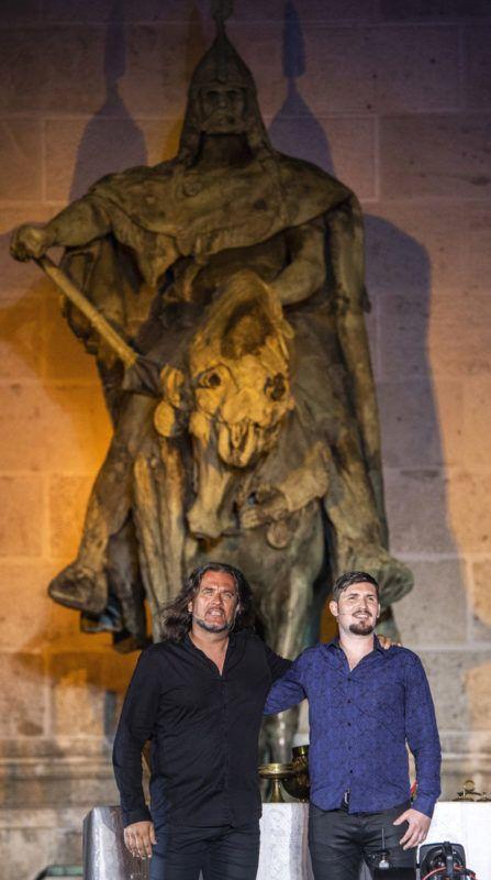 Budapest, 2018. június 22.Vadkerti Imre (b) és Palcsó Tamás a Trianon című rockopera próbáján a Hősök terén 2018. június 21-én. A darabot Koltay Gábor rendezésében június 22-én mutatják be.MTI Fotó: Szigetváry Zsolt