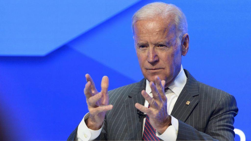 Davos, 2017. január 16. Joe Biden leköszönõ amerikai alelnök beszél egy rákellenes konferencián a 47. Világgazdasági Fórum elõestéjén, a svájci Davosban 2017. január 16-án. (MTI/EPA/Gian Ehrenzeller)