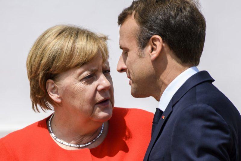 Meseberg, 2018. június 19. Angela Merkel német kancellár és Emmanuel Macron francia elnök a német-francia kormánykonzultáció elõtt a mesebergi kastélyban 2018. június 19-én. (MTI/EPA/Christian Bruna)