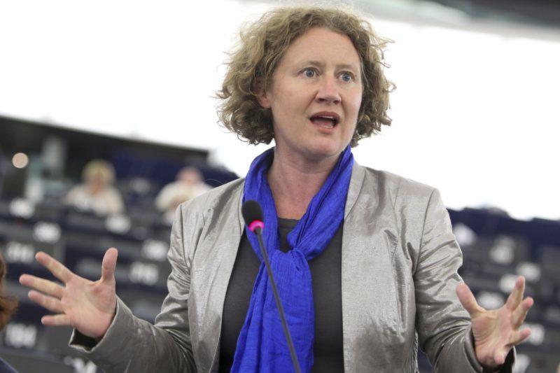 Strasbourg, 2013. július 2. Az Európai Parlament által közreadott képen Judith Sargentini, a Zöldek/ az Európai Szabad Szövetség Képviselõcsoportja holland tagja felszólal a Rui Tavares portugál zöldpárti európai parlamenti képviselõ által készített, a jogállamiság magyarországi helyzetérõl szóló jelentésrõl folytatott vitán az Európai Parlament plenáris ülésén Strasbourgban 2013. július 2-án. (MTI/EP/Fred Marvaux)