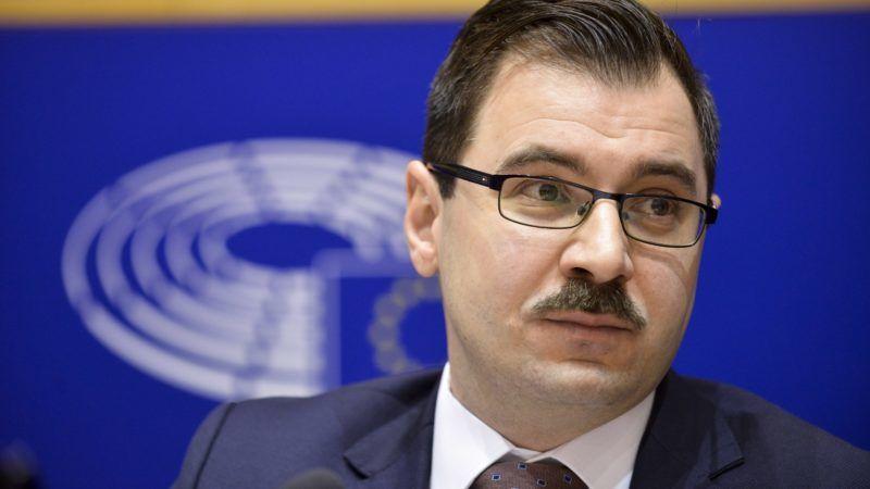 Brüsszel, 2017. december 7. Az Európai Parlament (EP) által közreadott kép Szánthó Miklósról, az Alapjogokért Központ igazgatójáról az EP belügyi, állampolgári jogi és igazságügyi szakbizottságának (LIBE) a jogállamiság magyarországi helyzetérõl tartott meghallgatásán Brüsszelben 2017. december 7-én. (MTI/Európai Parlament/Dominique Hommel)