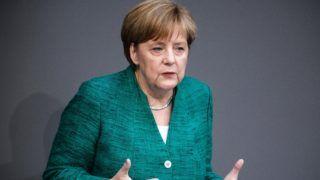 Berlin, 2018. június 28. Angela Merkel német kancellár ismerteti az e napi EU-csúcson és a júliusi NATO-csúcson képviselendõ német álláspontot a szövetségi parlament alsóháza, a Bundestag ülésén Berlinben 2018. június 28-án. (MTI/EPA/Clemens Bilan)