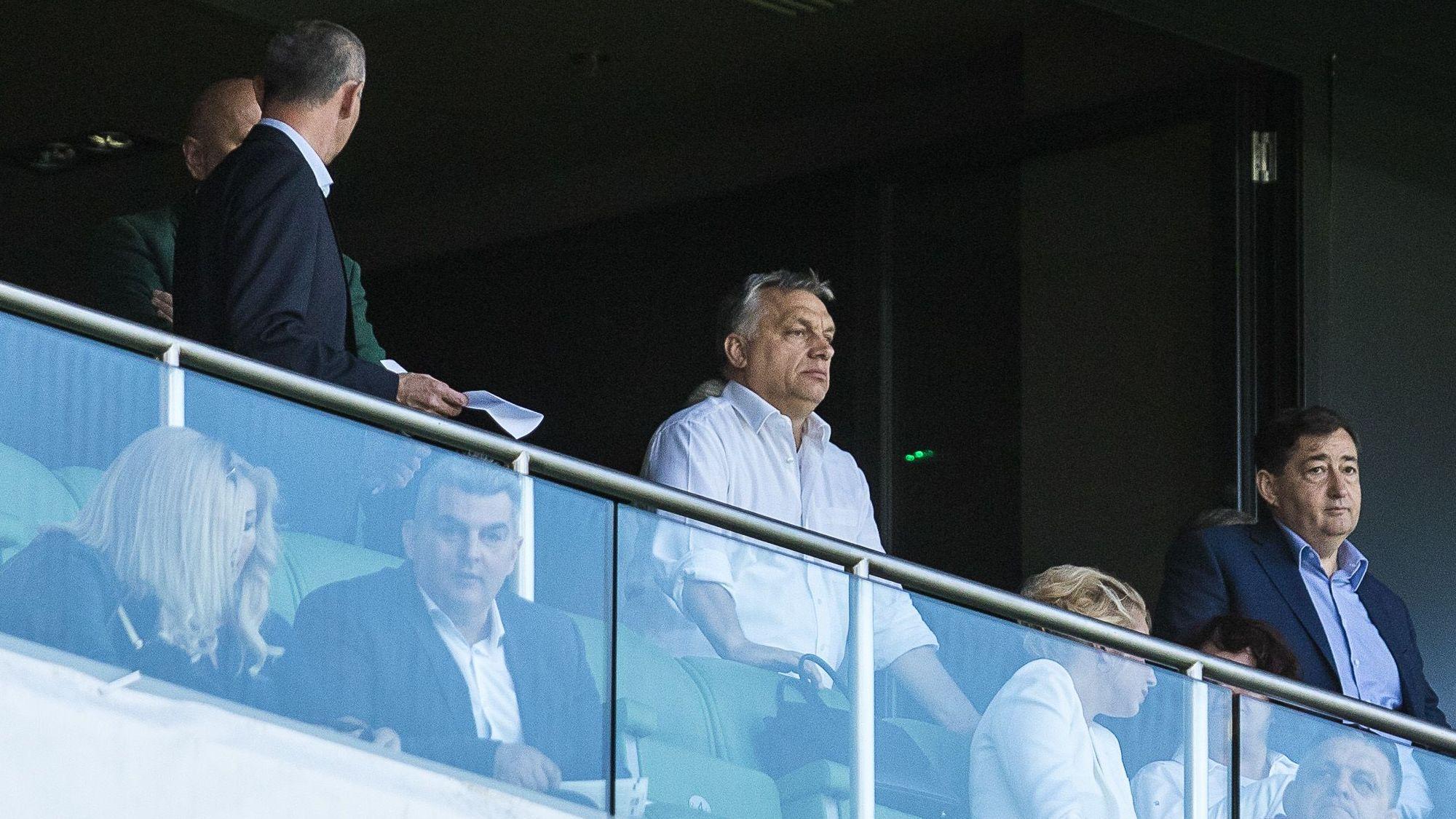 Mészáros Lőrinc Orbán Viktor társaságában Felcsúton a Puskás Akadémia VIP páholyában: Fotó: Karancsi Rudolf, 24.hu