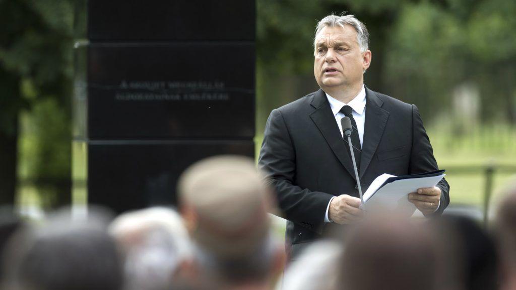 Budapest, 2018. június 19. Orbán Viktor miniszterelnök beszédet mond a Gulág-emlékmû avatásán Budapesten, a III. kerületi Árpád fejedelem útján 2018. június 19-én. MTI Fotó: Koszticsák Szilárd