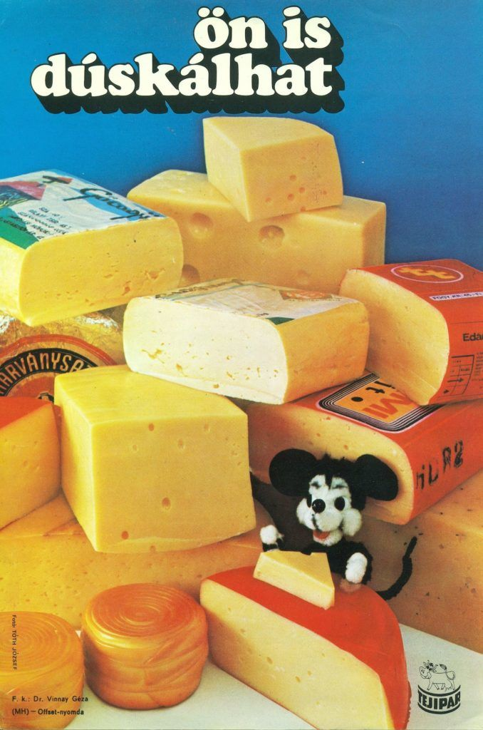 FőnÈzet - Magyar tejipar ·ltal gy·rtott sajtokat rekl·mozÛ villamosplak·t. Trappista, Ed·mi, Gauda, parenyica Ès egyÈb sajtok l·thatÛak a kÈpen.