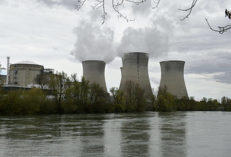 (FILES) This file photo taken on April 8, 2016 in Saint-Vulbas shows the Bugey nuclear power plant. Greenpeace France has launched on July 3, 2018 a Superman shaped drone which flew over the Bugey nuclear plant in Saint-Vulbas, before hitting a building containing nuclear waste according to the environmental organization. / AFP PHOTO / PHILIPPE DESMAZES
