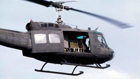 Corps des Marines américain. Hélicoptère Huey UH-1. 23 octobre 1996.     US-5327