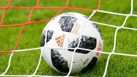 Feature Ball, Telestar, Adidas. GES / Soccer / 3rd league: Karlsruher SC - Training camp Waidring, Tyrol, Austria Season 2018/19, 11.07.2018 - | usage worldwide