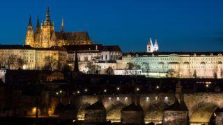 10 April 2018, Czech Republic, Prague:View of the Charles Bridge and the Prague Castle (L) with St. Vitus Cathedral taken in the evening. Photo: Monika Skolimowska/dpa-Zentralbild/dpa