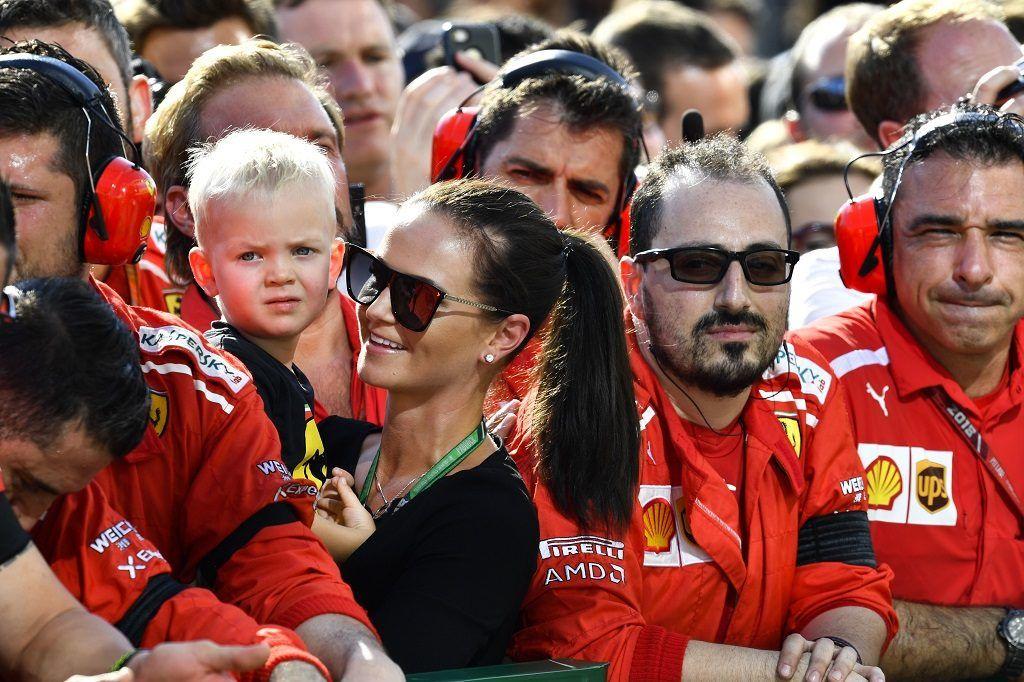 Motorsports: FIA Formula One World Championship 2018, Grand Prix of Hungary,  Minttu Virtanen, wife of Kimi Raikkonen (FIN, Scuderia Ferrari), and her son Robin 29.06.2018. | usage worldwide