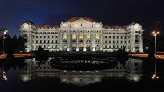 Debrecen, 2015. június 1.A Debreceni Egyetem főépülete esti díszkivilágításban.MTVA/Bizományosi: Oláh Tibor ***************************Kedves Felhasználó!Az Ön által most kiválasztott fénykép nem képezi az MTI fotókiadásának, valamint az MTVA fotóarchívumának szerves részét. A kép tartalmáért és a szövegért a fotó készítője vállalja a felelősséget.