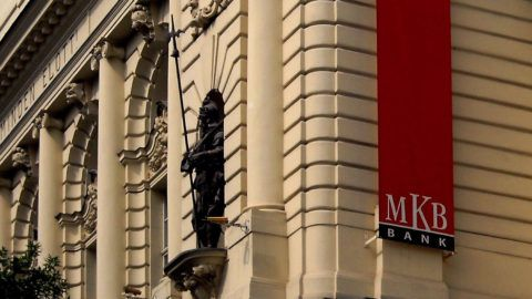 Budapest, 2015. május 28.A Magyar Királyi Tiszti Kaszinó 1899-ben megnyitott egykori, műemlék épülete a főváros V. kerületében, a Váci utca 38-ban, amely ma az MKB Bank székháza és központi fiókja. Az épület falán a bank logója látható.MTVA/Bizományosi: Jászai Csaba ***************************Kedves Felhasználó!Az Ön által most kiválasztott fénykép nem képezi az MTI fotókiadásának, valamint az MTVA fotóarchívumának szerves részét. A kép tartalmáért és a szövegért a fotó készítője vállalja a felelősséget.