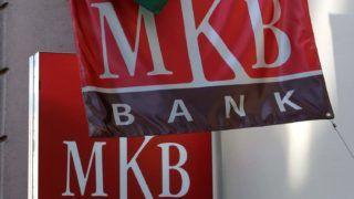 Szeged, 2018. március 21.Magyarország nemzeti lobogója és az MKB Bank zászlaja leng a bank egyik szegedi fiókjának falán a Tisza-parti belvárosban. MTVA/Bizományosi: Jászai Csaba ***************************Kedves Felhasználó!Ez a fotó nem a Duna Médiaszolgáltató Zrt./MTI által készített és kiadott fényképfelvétel, így harmadik személy által támasztott bárminemű – különösen szerzői jogi, szomszédos jogi és személyiségi jogi – igényért a fotó készítője közvetlenül maga áll helyt, az MTVA felelőssége e körben kizárt.