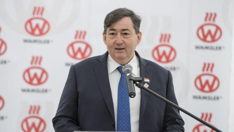 Salgótarján, 2018. március 27. Mészáros Lõrinc, a Wamsler SE anyavállalata, az Opus Global Nyrt. többségi tulajdonosa beszédet mond a tûzhelyeket és kandallókat gyártó salgótarjáni cég új üzemcsarnokának alapkõletételén 2018. március 27-én. A kormány a nagyvállalati beruházási támogatási program keretében 1,8 milliárd forinttal segíti a Wamsler SE beruházását. MTI Fotó: Komka Péter