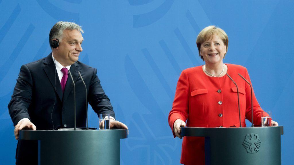 Berlin, 2018. július 5. Orbán Viktor miniszterelnök és Angela Merkel német kancellár sajtótájékoztatót tart találkozójukat követõen Berlinben 2018. július 5-én. MTI Fotó: Koszticsák Szilárd