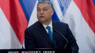 Jeruzsálem, 2018. július 19. Orbán Viktor miniszterelnök sajtónyilatkozatot tesz Benjámin Netanjahu izraeli miniszterelnökkel közösen megbeszélésüket követõen Jeruzsálemben 2018. július 19-én. MTI Fotó: Koszticsák Szilárd