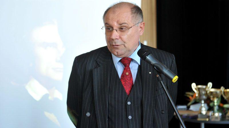 Budapest, 2011. szeptember 27.T. Mészáros András, Érd polgármestere, a rendezvénysorozat védnöke beszédet mond az országos Liszt-vetélkedő eredményhirdetésén, a Művészetek Palotájában.MTI Fotó: Soós Lajos