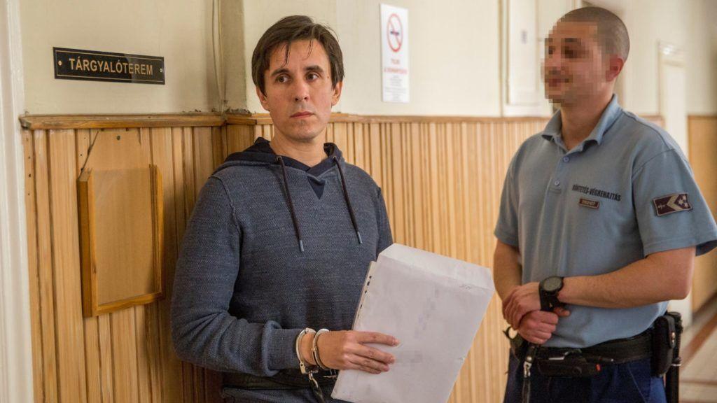 Czeglédy Csaba előzetes letartóztatásának meghosszabbítását indítványozta az ügyészség