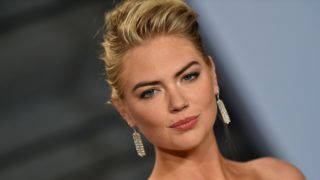 BEVERLY HILLS, CA - MARCH 04:  Model Kate Upton attends the 2018 Vanity Fair Oscar Party hosted by Radhika Jones at Wallis Annenberg Center for the Performing Arts on March 4, 2018 in Beverly Hills, California.  (Photo by Axelle/Bauer-Griffin/FilmMagic)