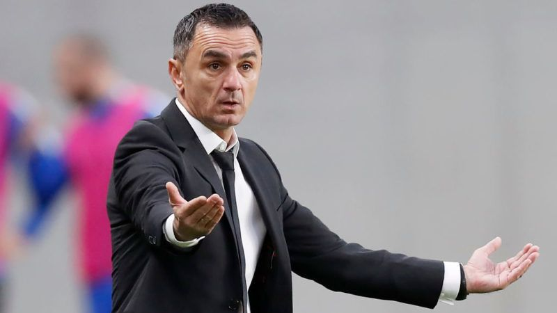 BUDAPEST, HUNGARY - APRIL 4: Head coach Nebojsa Vignjevic of Ujpest FC reacts during the Hungarian Cup Quarter Final 2nd Leg match between MTK Budapest and Ujpest FC at Nandor Hidegkuti Stadium on April 4, 2018 in Budapest, Hungary. (Photo by Laszlo Szirtesi/Getty Images)