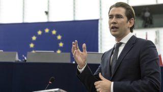 Strasbourg, 2018. július 3. Sebastian Kurz, az Európai Unió soros elnöki tisztségét július 1-jétõl betöltõ Ausztria kancellárja az Európai Parlament ülésén Strasbourgban 2018. július 3-án. (MTI/AP/Jean-Francois Badias)