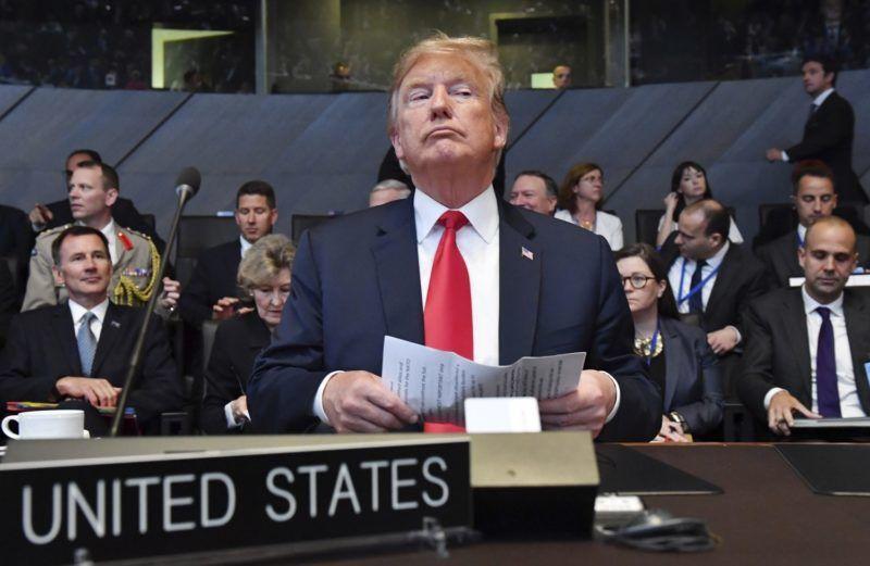 Brüsszel, 2018. július 11. Donald Trump amerikai elnök a NATO kétnapos brüsszeli csúcsértekezletének nyitóülésén 2018. július 11-én. (MTI/AP/Geert Vanden Wijngaert)