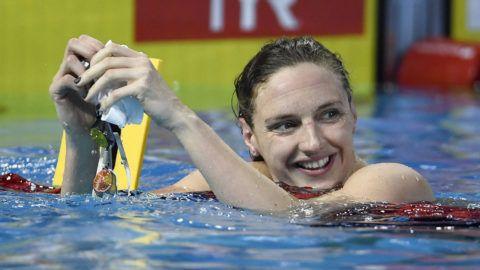 Koppenhága, 2017. december 15.Hosszú Katinka, miután megnyerte a koppenhágai rövidpályás úszó Európa-bajnokság női 100 méteres vegyesúszásának döntőjét 2017. december 15-én. (MTI/EPA/Lars Möller)