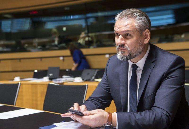 Luxembourg, 2016. október 18. Az Európai Tanács által közreadott képen Takács Szabolcs, a Miniszterelnökség európai uniós ügyekért felelõs államtitkára az EU Általános Ügyek Tanácsának ülésén Brüsszelben 2016. október 18-án. (MTI/Európai Tanács/Enzo Zucchi)