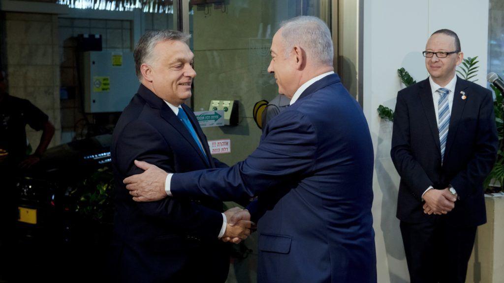 Jeruzsálem, 2018. július 19. Benjámin Netanjahu izraeli miniszterelnök (j) fogadja Orbán Viktor miniszterelnököt Jeruzsálemben 2018. július 19-én. MTI Fotó: Koszticsák Szilárd