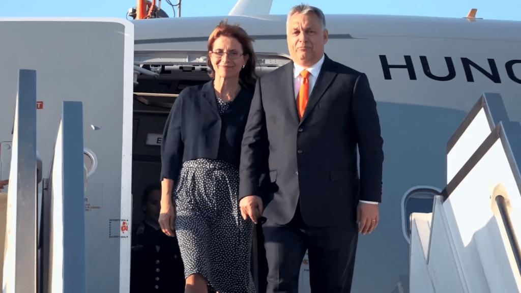 Videón, ahogy Orbán Viktor megérkezik Izraelbe