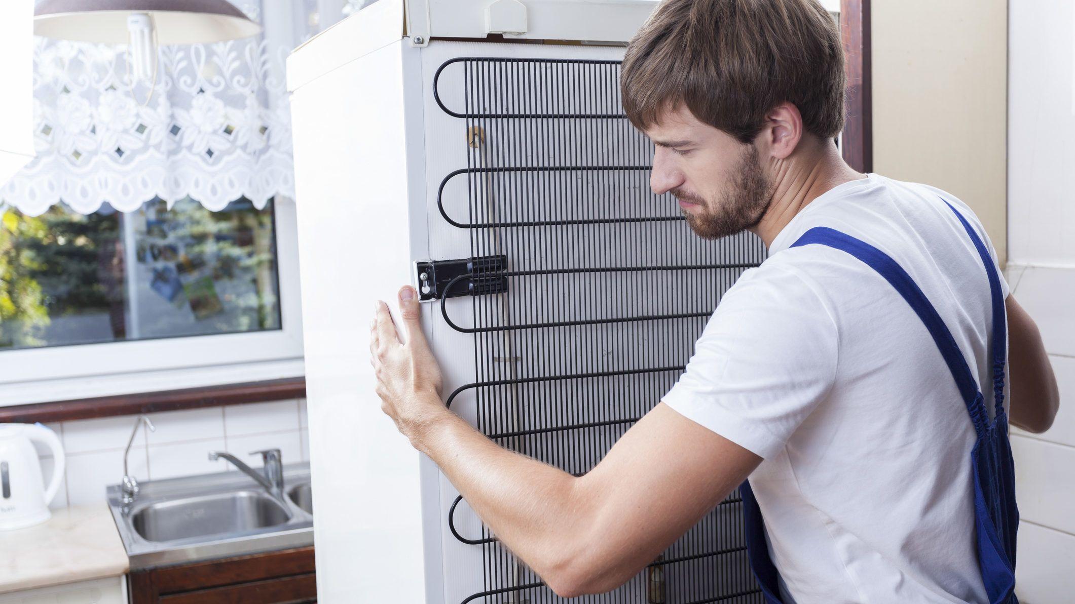 Sokszor bekapcsol a hűtő