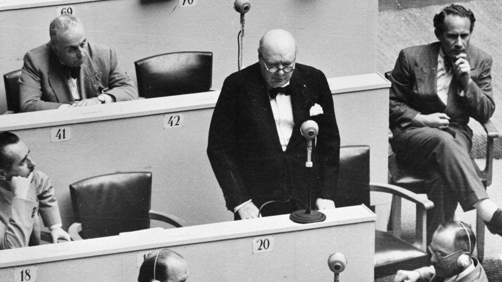 Séance du Conseil de l'Europe durant laquelle Winston Churchill proposa d'associer l'Allemagne aux travaux dudit Conseil. 1950.     RV-312546