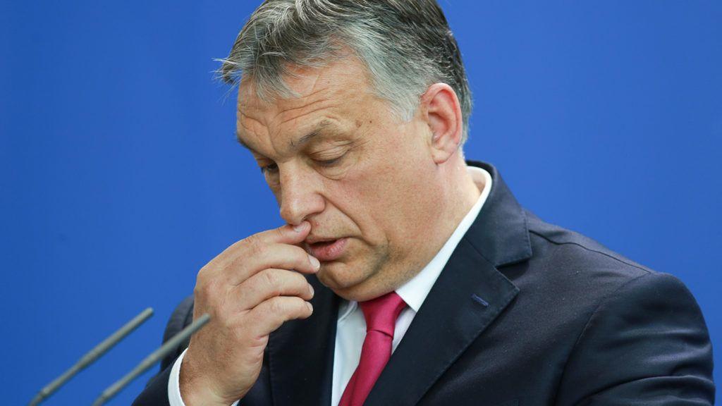 Karafiáth: Orbán már a saját embereit is kinyírja