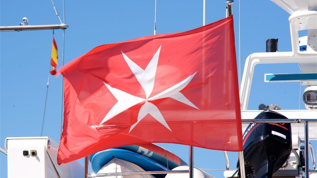 Boat flying the Maltese flag | Bateau battant pavillon Maltais  09/07/2017