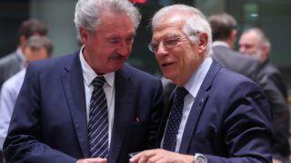 Brüsszel, 2018. július 16. Jean Asselborn luxemburgi (b) és Josep Borrell spanyol külügyminiszter az Európai Unió külügyminisztereinek brüsszeli ülésén 2018. július 16-án. (MTI/EPA/Stephanie Lecocq)