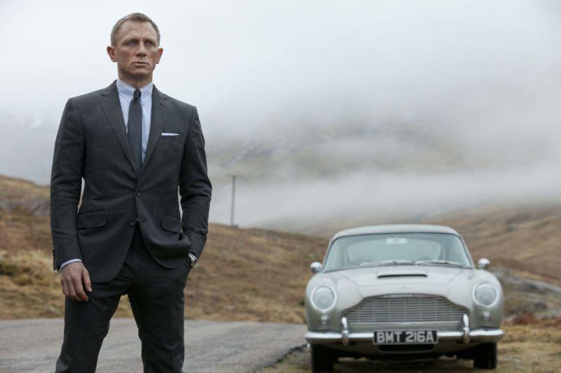 Skyfall 2012 Real  Sam Mendes Daniel Craig. Collection Christophel © Eon Productions / B23