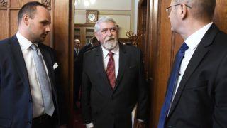 Budapest, 2018. május 14.Kásler Miklós, az Emberi Erőforrások Minisztériumának (Emmi) miniszterjelöltje (k) érkezik a kinevezése előtti meghallgatásra az Országgyűlés kulturális bizottságának ülésére az Országházban 2018. május 14-én.MTI Fotó: Kovács Tamás