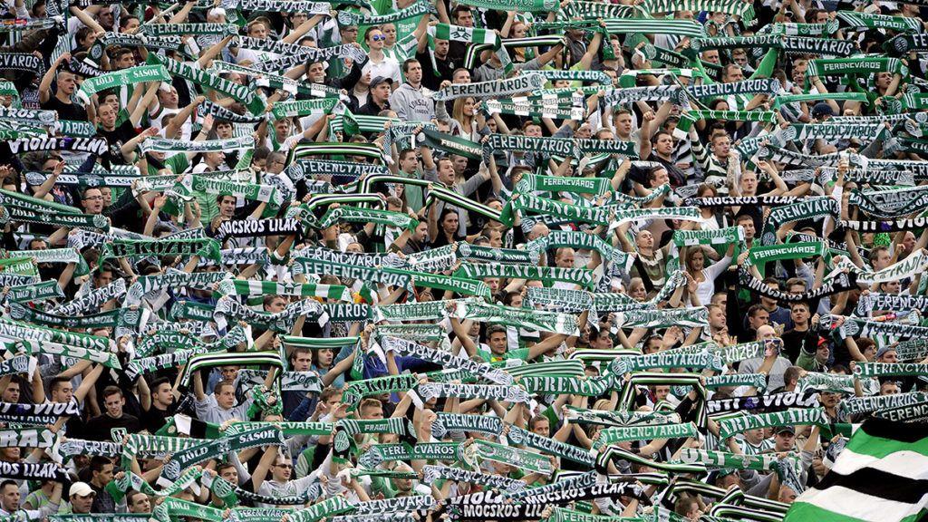 Budapest, 2013. szeptember 22.Ferencvárosi szurkolók a labdarúgó OTP Bank Liga nyolcadik fordulójában játszott Ferencváros – Újpest mérkőzésen a Puskás Ferenc Stadionban 2013. szeptember 22-én. A meccset az FTC nyerte 3-1-re.MTI Fotó: Földi Imre