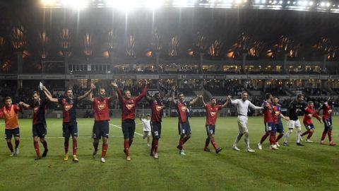 Felcsút, 2018. augusztus 14.A Vidi FC játékosai a labdarúgó Bajnokok Ligája selejtezőjének 3. fordulójában játszott Vidi FC - Malmö visszavágó mérkőzés végén a felcsúti Pancho Arénában 2018. augusztus 14-én. A Vidi FC gól nélküli döntetlennel őrizte meg az első mérkőzésen elért 1-1-es eredményt, így bejutott a selejtező negyedik, utolsó fordulójába.MTI Fotó: Illyés Tibor