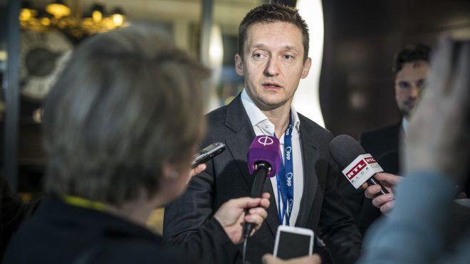 Brüsszel, 2017. április 29.A Miniszterelnöki Sajtóiroda által közreadott képen Rogán Antal, a Miniszterelnöki Kabinetirodát vezető miniszter nyilatkozik az Európai Néppárt csúcstalálkozója közben Brüsszelben 2017. április 29-én.MTI Fotó: Miniszterelnöki Sajtóiroda / Szecsődi Balázs