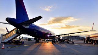 Budapest, 2017. október 31.A Wizz Air diszkont légitársaság Agadirba (Marokkó) közlekedő első járata, egy Airbus A320-as repülőgép tankol a Liszt Ferenc repülőtéren 2017. október 31-én.MTI Fotó: Máthé Zoltán
